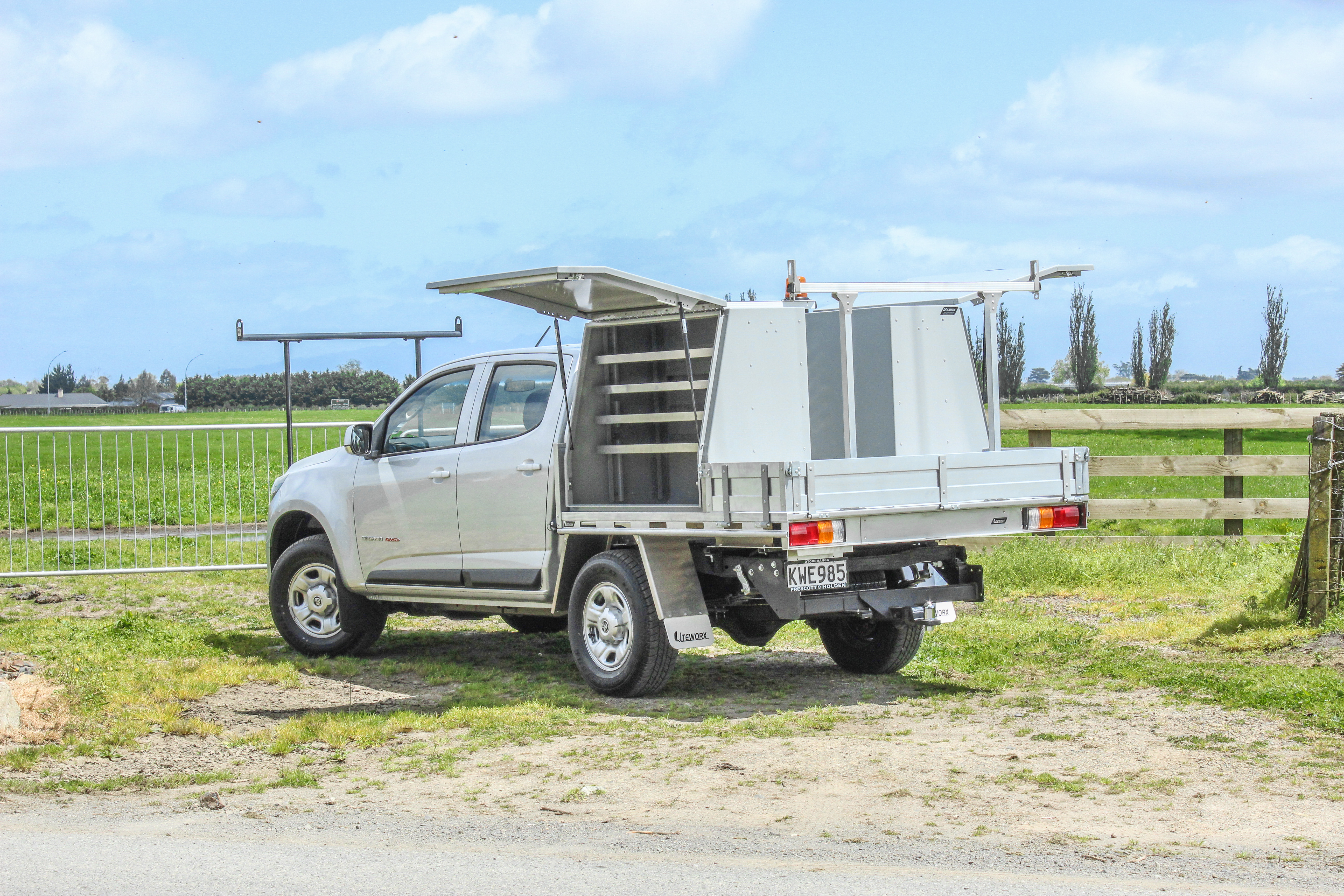 Holden Colorado Fitout -  Flat Deck + Toolboxes